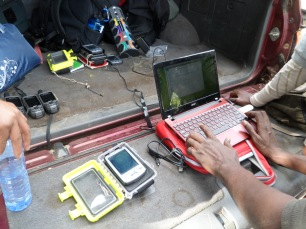 Data upload in the field - powered via the car battery